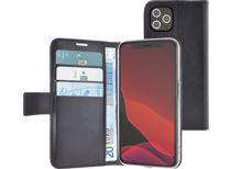 Azuri telefoonhoesje iPhone 12/ 12 Pro Walletcase  (Zwart)